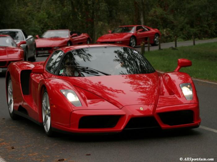 Ferrari-Enzo-convoy